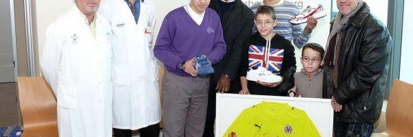 Marcos Senna visita la Unidad de Hemostasia del Hospital La Fe