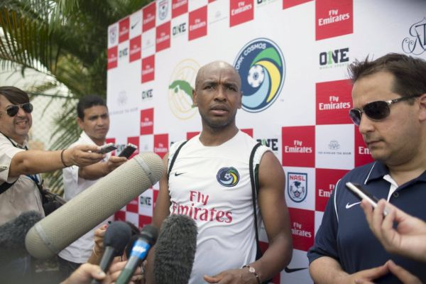 Marcos Senna travels to Cuba to take part in the game between the New York Cosmos and the Cuban National Team