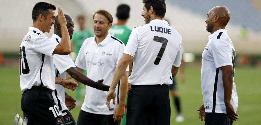 Marcos Senna makes his debut in Iran with LaLiga Legends